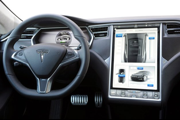 tesla cto says self driving cars are 39 inevitable 39 thanks to safety concerns. Black Bedroom Furniture Sets. Home Design Ideas