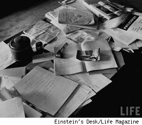 einsteins desk