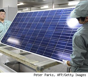 First Solar layoffs 2,000 workers