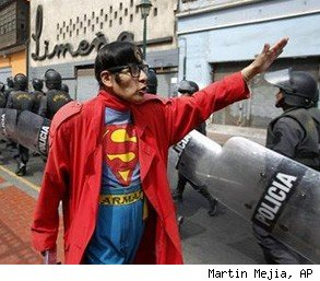 Avelino Chavez Superman Peru