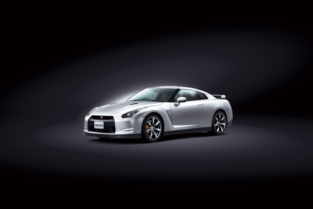 Nissan Gt R Price Specifications And Reviews Page 2