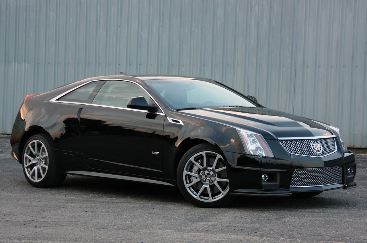 first drive 2011 cadillac cts v coupe autoblog. Black Bedroom Furniture Sets. Home Design Ideas