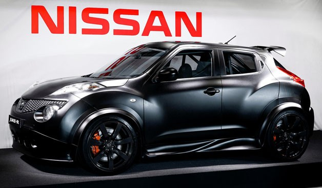 nissan-releases-first-photo