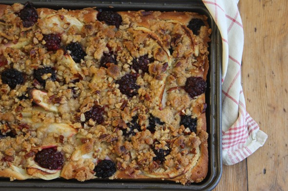 Cake and Eat It: Blackberry and apple traybake