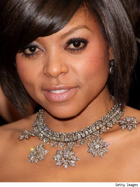 Taraji P. Henson in a stunning necklace by Fred Leighton at the 2009 Oscars