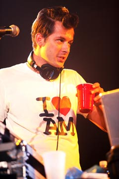Mark Ronson DJ AM