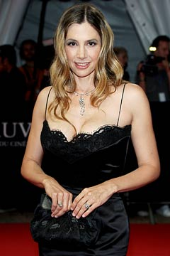 mira sorvino