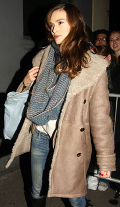 keira knighley burberry coat