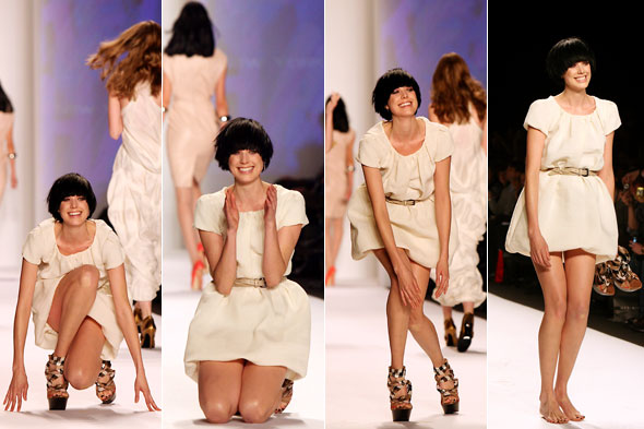 model agyness deyn falling on runway fashion for relief show