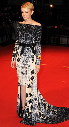 carey mulligan black and white patterned dress