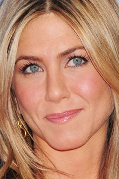Jennifer  make Photo: shadow. eye pop eyes eyes natural Aniston's to P John pop with makeup   brown brown blue