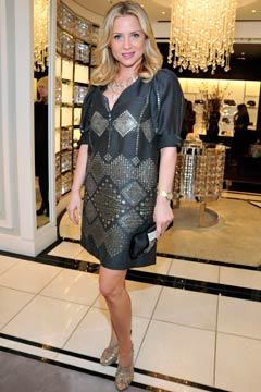 http://www.blogcdn.com/main.stylelist.com/media/2010/03/jessica-capshaw-jusdit-leiber-party-240sd03082010.jpg