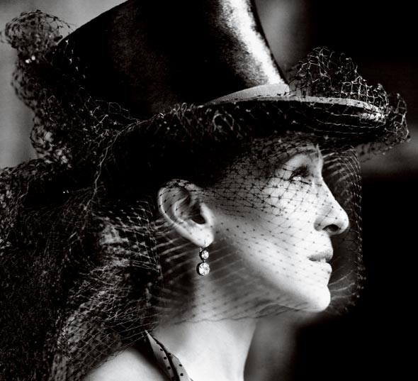 Sarah Jessica Parker black top hat net Vogue May 2010