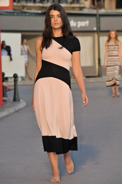 crystal renn tan and black long dress chanel resort 2011 plus size model