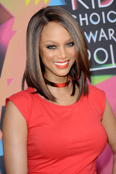 tyra banks red dress choker