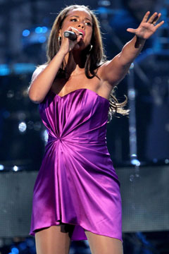 alicia keys baby bump 2010 BET Awards purple dress performance