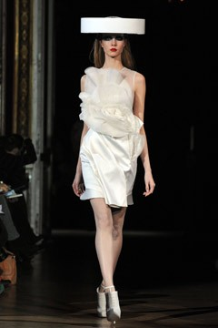 Givenchy Fashion Show Paris Fashion Week Haute Couture S/S 2010 white ruffle dress big hat