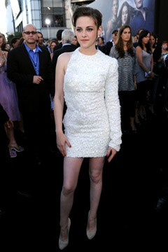 kristen stewart white one-sleeved dress twilight eclipse premiere