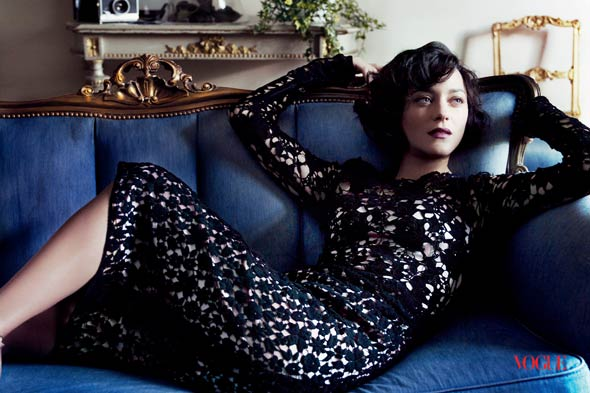 marion cotillard Dolce & Gabbana long-sleeved black lace dress blue couch vogue july 2010 issue