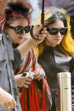 Mary-Kate and Ashley Olsen Neon Hair Color