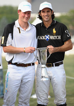 prince harry nacho figueras veuve clicquot polo classic 2010 trophy black watch Ralph Lauren polo white cap