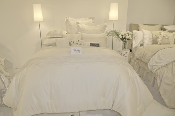 Tina Knowles Beyoncé House of Deréon luxe bedding big bed white sheets