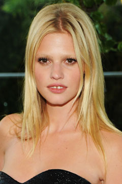 lara stone black strapless dress gap tooth CFDA Awards 2010
