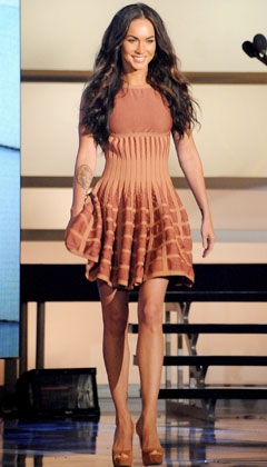 Megan Fox VH1 Do Something! Awards tan Azzedine Alaia dress