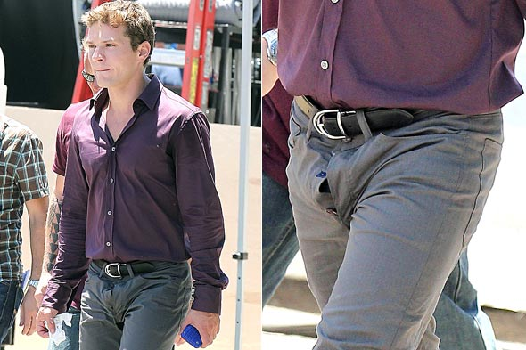 Ryan Phillippe gets caught with his fly down. Photo: PacificCoastNews