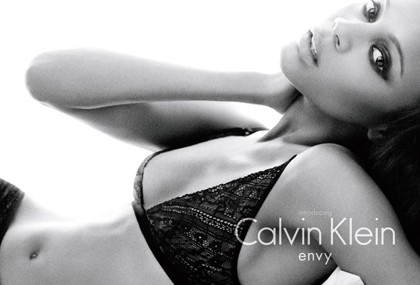 zoe saldana calvin klein underwear envy black lace bra panties smoly eyes
