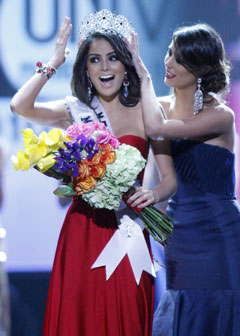 Miss Mexico Jimena Navarrete Miss Universe 2010 crown sash flowers red dress