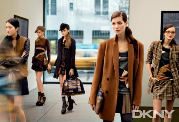DKNY fall 2010 ad campaign models gallery-hopping New York Chelsea neighborhood