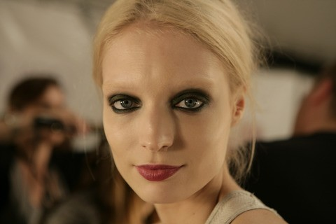 Marc-Jacobs-Spring-2011-beauty