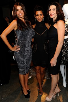 Sofia Vergara snake skin dress halle berry little black dress Julianna Margulies black dress nude heels swarovski