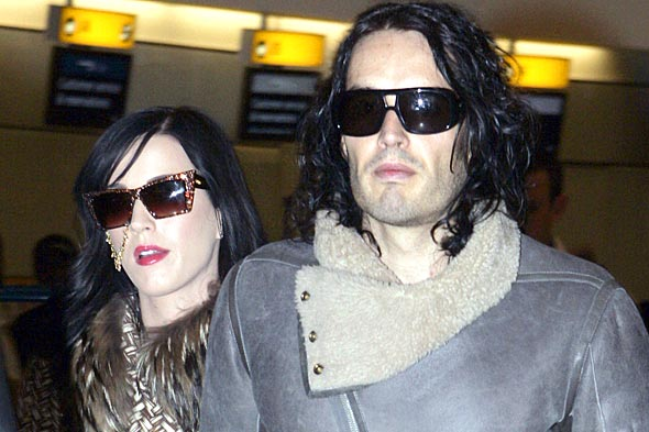 Katy Perry traditional Indian nose ring fiance Russell Brand