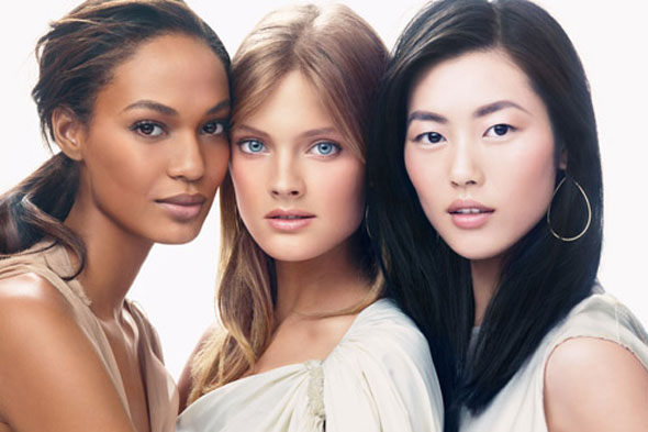 Estée Lauder models Joan Smalls, Carolyn Murphy and Liu Wen