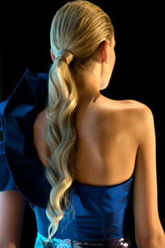 wavy ponytail vacation hairstyle