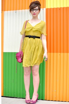 Keiko Lynn Stylelist blogger acid green dress bright neon fashion Michael Kors resort 2012