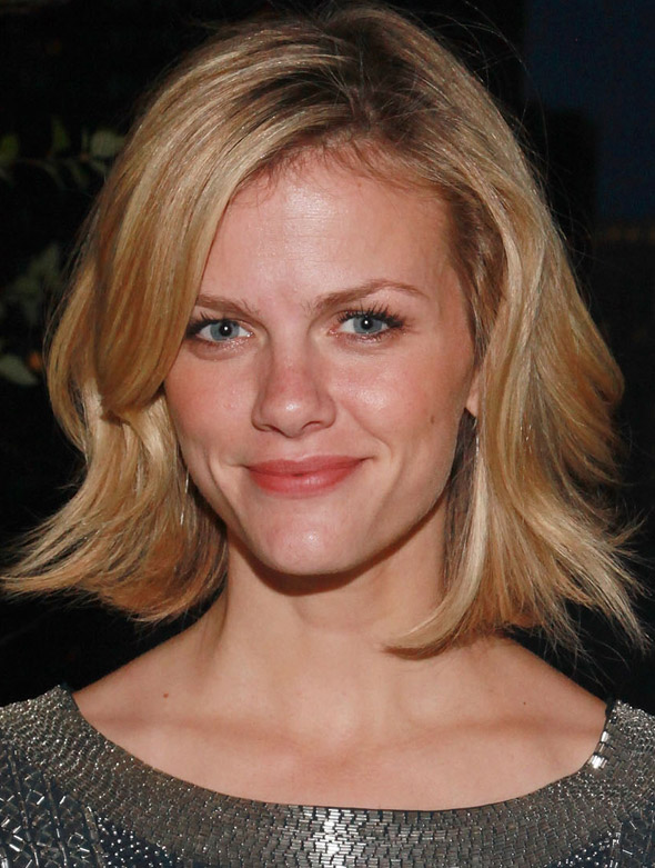 brooklyn decker590 2 do061411 Romantic Hairstyles to Try this Valentines Day