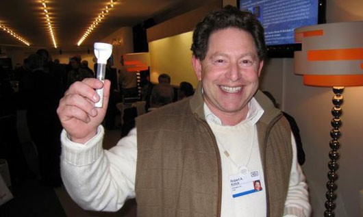 Activision CEO Bobby Kotick and... a flashlight?