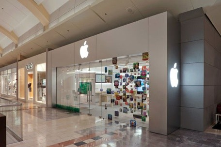 Apple Store Remodel To Introduce Two Row Genius Bar