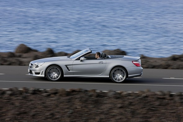 2. Mercedes-Benz SL