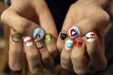 youtube logos in nail varnish