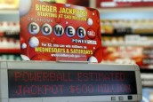 Florida woman wins $590.5m Powerball jackpot