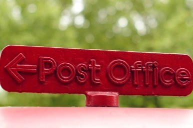 Mail staff vote for rivals' boycott