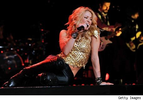http://www.blogcdn.com/musica.aol.com/media/2010/09/shakira-new-york-456am092210.jpg
