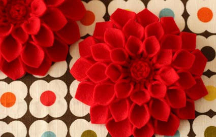 felt dahlia brooch