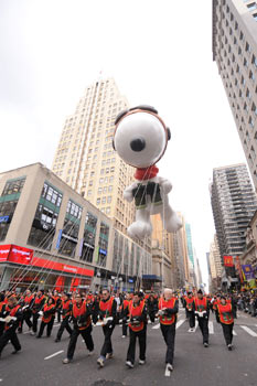 Macy's Thanksgiving Day Parade balloon Snoopy