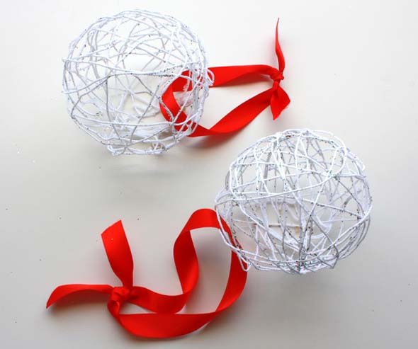 Balloon String Lights Diy : Crafting on a Budget: DIY: Balloon and String Ornaments