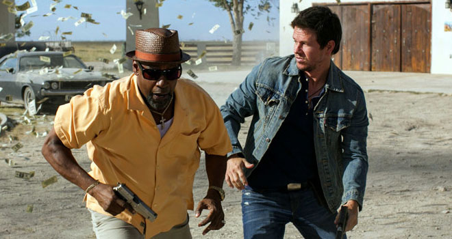 Denzel Washington and Mark Wahlberg in '2 Guns'
